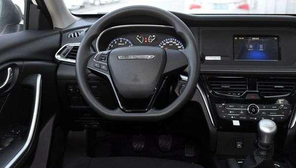 Соплатформенника Nissan Murano — Venucia T90 набирає популярність в Китаї