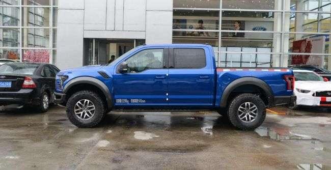 У Китаї стартували продажі екстремального пікапа від Ford