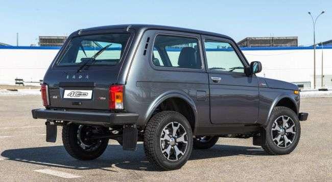 «АвтоВАЗ» розсекретив подробиці ювілейного Lada 4×4 40 Anniversary