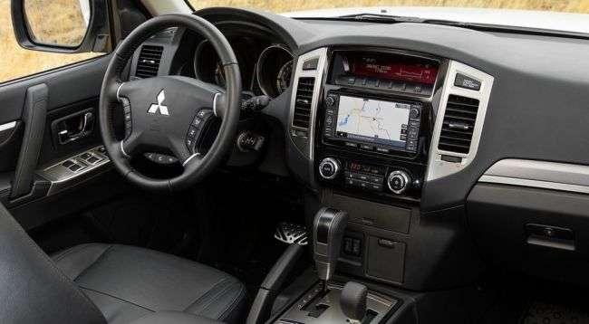 Продажі позашляховика Mitsubishi Pajero IV в РФ стартують в травні