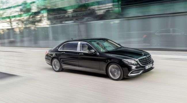 Mercedes-Benz представив оновлений седан S-Class в Шанхаї