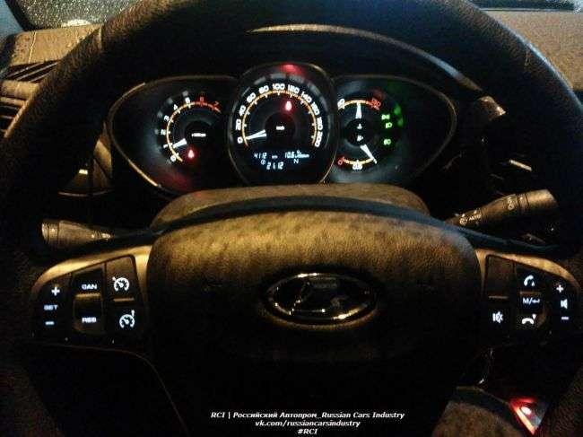 Подовжений Lada Vesta Signatur віце-президента «Автовазу» помітили в Тольятті