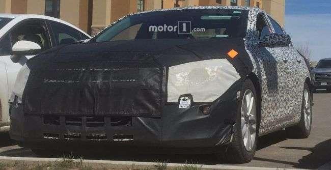 Новий Chevrolet Malibu 2019 потрапив в обєктиви камер