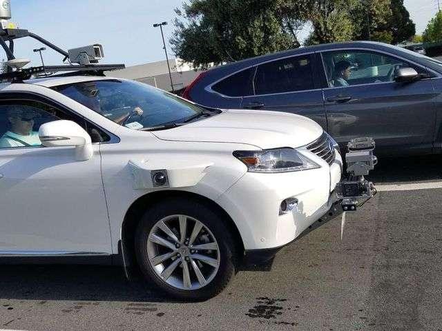 Apple почала тести своїх безпілотників на базі Lexus в Каліфорнії