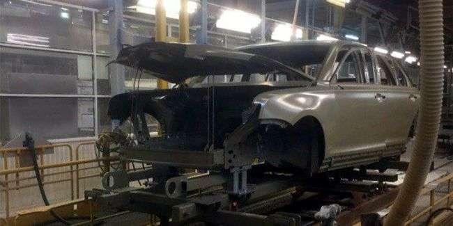 Кузов седана проекту «Кортеж» зняли на конвеєрі