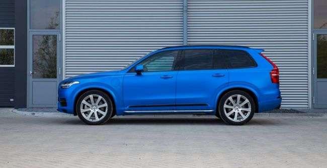 Позашляховик Volvo XC90 отримав ексклюзивний забарвлення кузова — Satin Perfect Blue