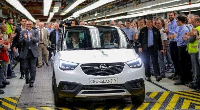 Новітній кросовер Opel Crossland X встав на конвеєр в Іспанії