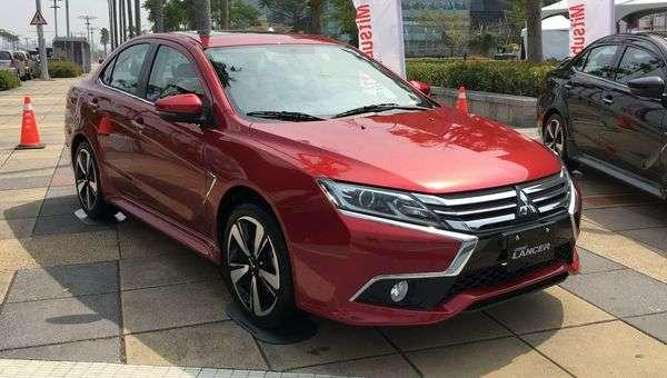 Оновлений Mitsubishi Grand Lancer надійде в продаж у травні