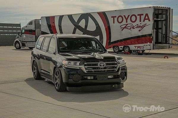 Позашляховик Toyota Land Cruiser з 2000-сильним мотором розігнали до 370 км на годину