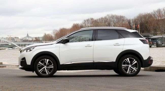Peugeot оголосила російські ціни на новий кросовер 3008