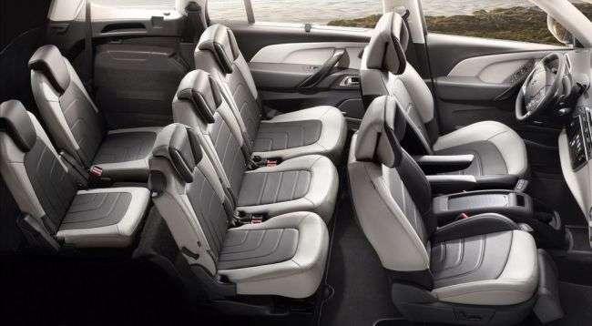 Citroen Grand C4 Picasso отримав нову, більш доступну модифікацію