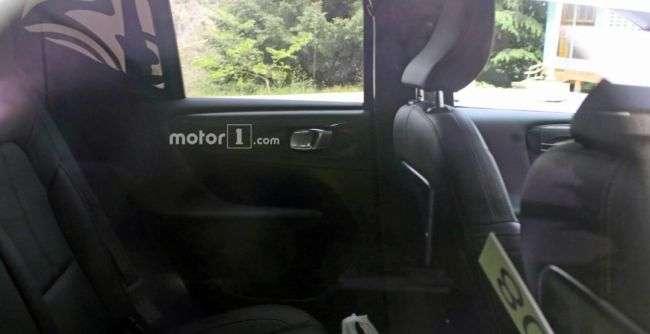 Розсекречено інтерєр компактного кросовера Volvo XC40