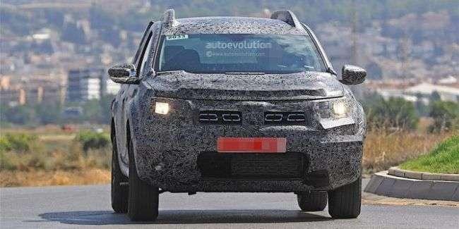 Шпигуни вперше сфотографували новий Renault Duster, в серійному кузові