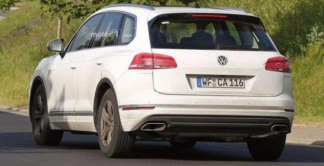 Опубліковані шпигунські фото нового Volkswagen Touareg без камуфляжу