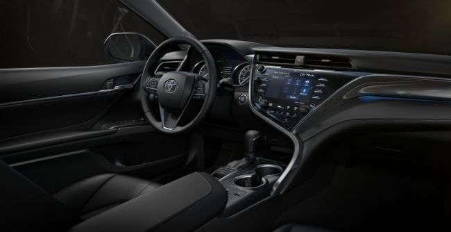 Восьма Toyota Camry обзавелася медиасистемой на основі ОС Linux