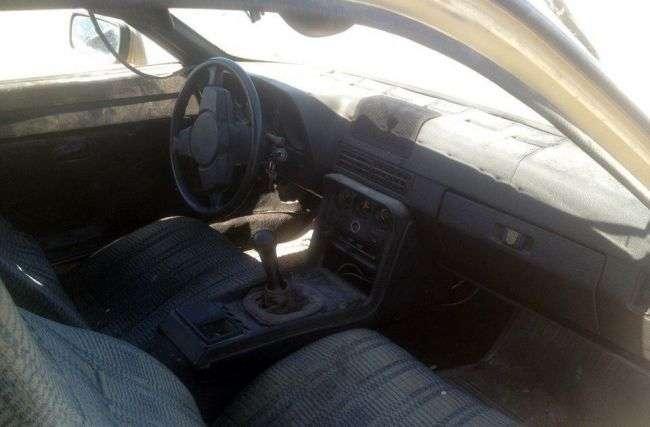 Спорткар Porsche 924 в Казахстані здали на утилізацію