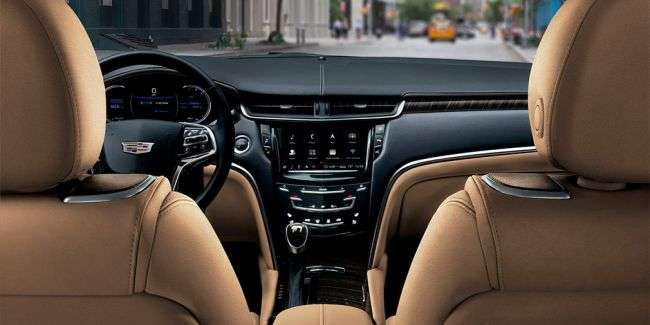 Представлений оновлений седан Cadillac XTS