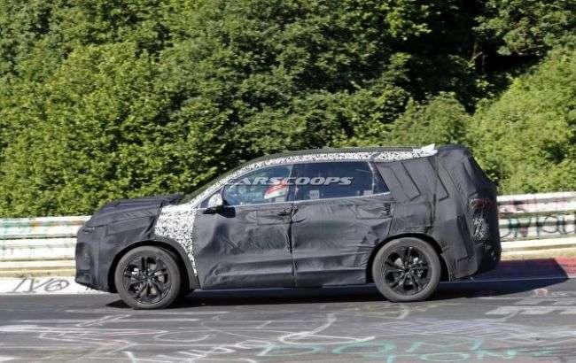 Нове покоління Hyundai Santa Fe випробували на Нюрбургринзі