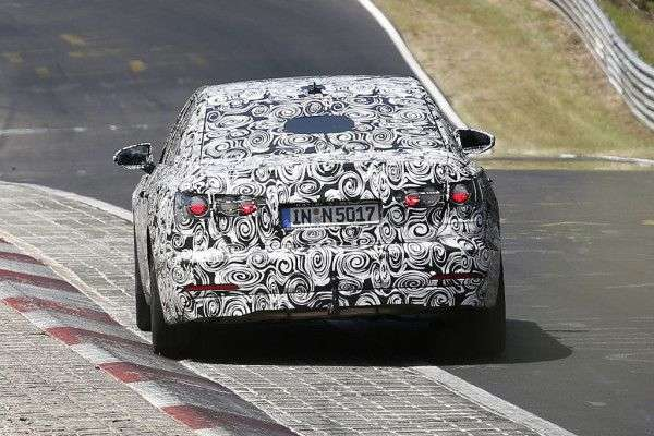Новий Audi A6 2019 вперше помітили на тестах