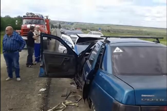 Пять осіб постраждали в потрійному ДТП на трасі в районі Татищевском