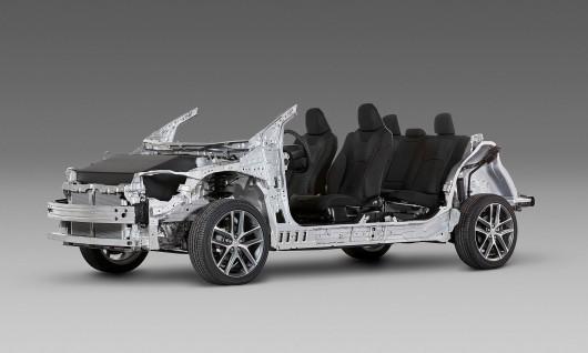 2018 Toyota Camry: Нове покоління
