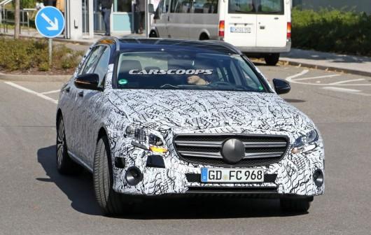 Як буде виглядати в 2017 Mercedes-Benz E-Class. Плюс фотографії новинки в кузові універсал