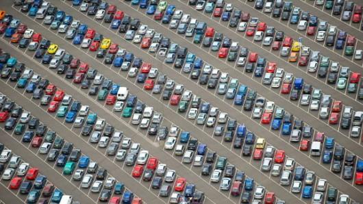 Чому безкоштовна парковка це погано для всіх
