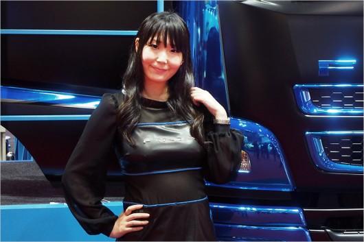 Автосалон в Токіо 2015: найкрасивіші дівчата