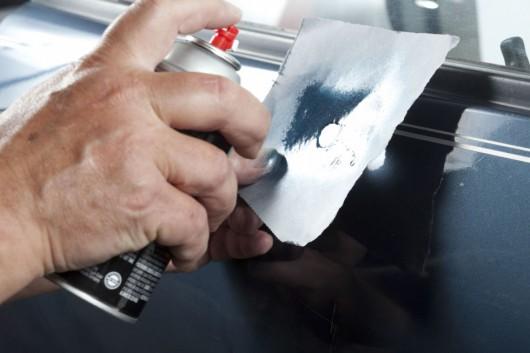 Як прибрати подряпини на машині
