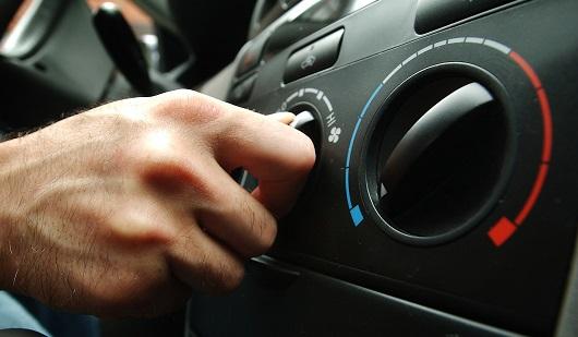 Не гріє пічка в автомобілі: Можливі причини