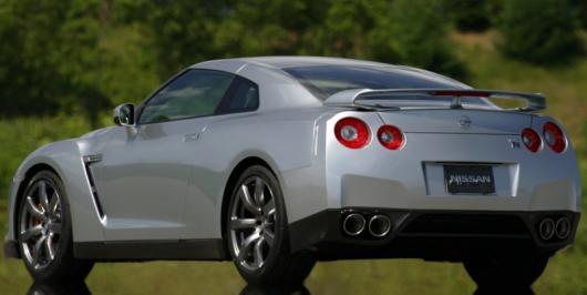 Девять найгірших автомобільних недоліків конструкції автомобілів