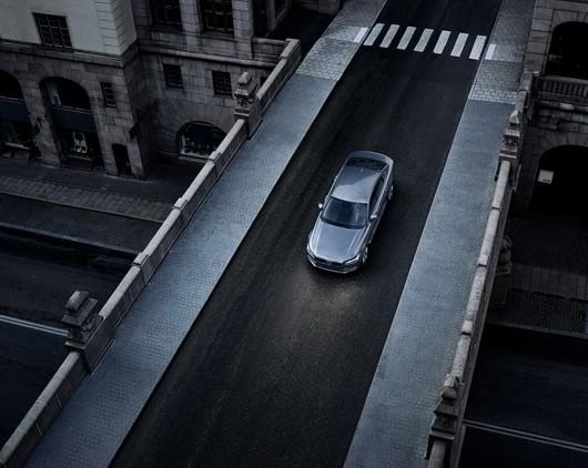 Розсекречений седан Volvo S90