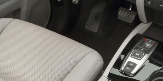 Десять найбільш дратівливих речей в нових автомобілях
