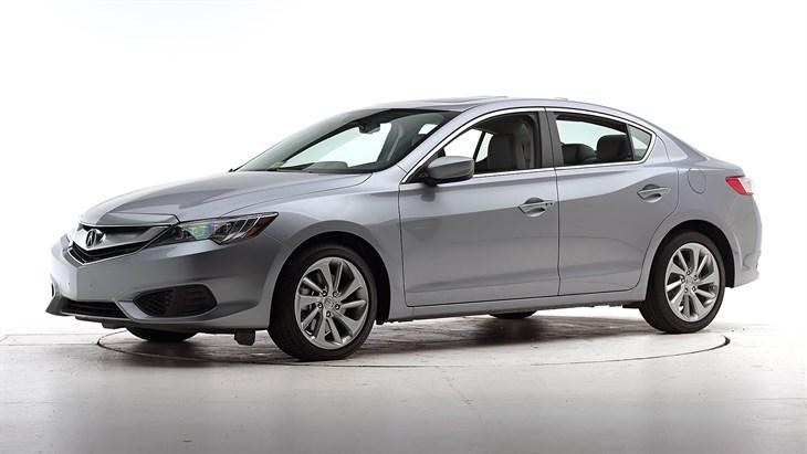 Краш-тест 2016 Acura ILX