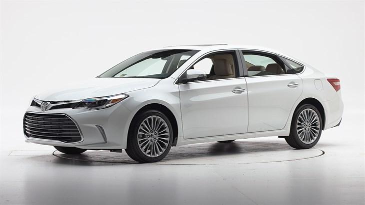 Краш-тест 2016 Toyota Avalon