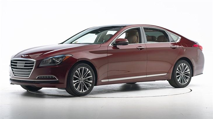 Краш-тест Hyundai Genesis 2016