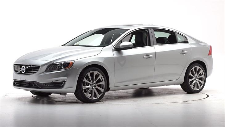 Краш-тест Volvo S60 2016