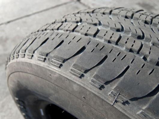 Десять ознак зносу шин, які вам можуть розповісти про стан автомобіля