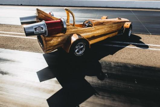 У Канаді побудували найшвидший у світі деревяний автомобіль
