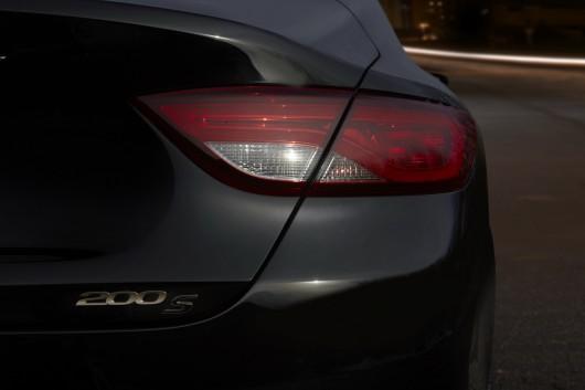 Chrysler 200 і 300 на автосалоні в Чикаго 2016