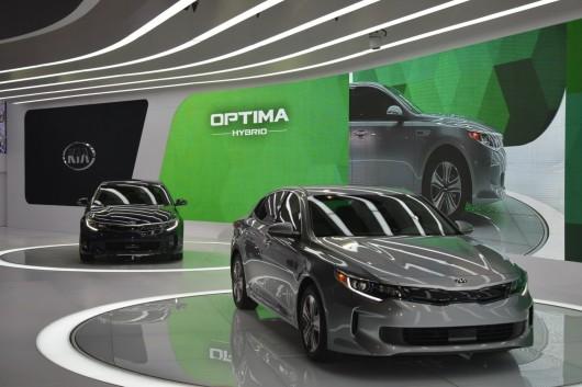 2017 Kia Optima Hybrid на автосалоні в Чикаго 2016