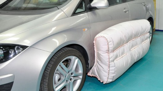 Зовнішні подушки безпеки можуть стати наступному етапом у розвитку безпеки автомобілів