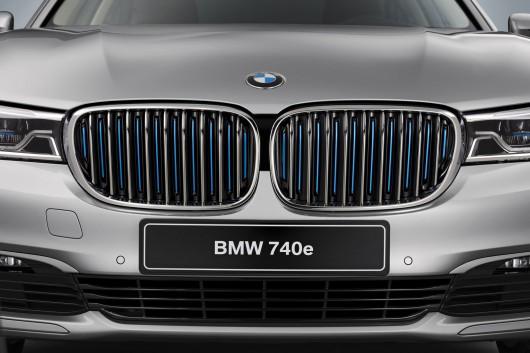 BMW 740e PHEV на автосалоні в Женеві 2016