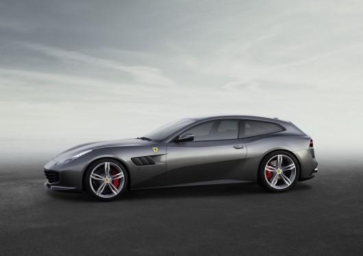 Ferrari GTC4Lusso на автосалоні в Женеві 2016
