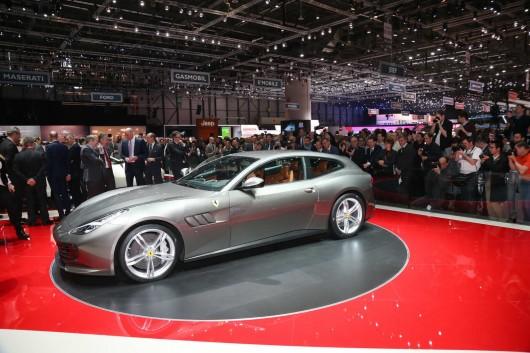 Ferrari T HS Package на автосалоні в Женеві 2016