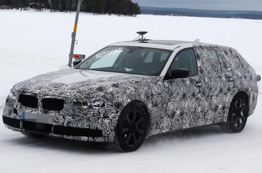 Оприлюднені нові шпигунські фотографії 2017 BMW 5 Series Touring
