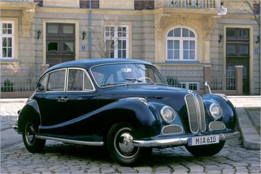 BMW 100 років: Основні етапи в історії компанії